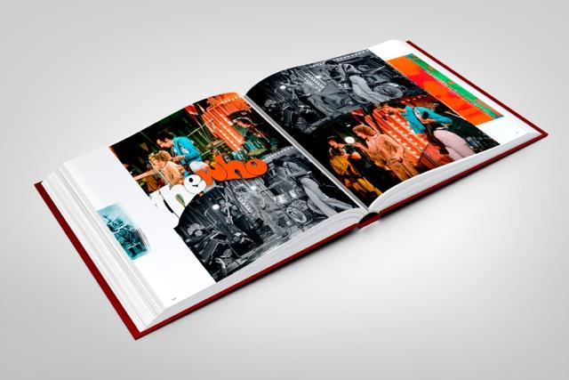 stones-circus-book-mockup-05
