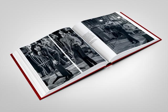 stones-circus-book-mockup-07