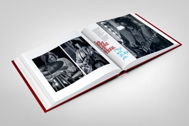 stones-circus-book-mockup-08