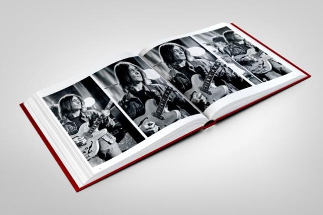 stones-circus-book-mockup-11